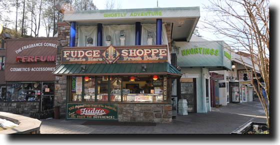 fudge_shoppe_of_the_smokies_gatlinburg_tn_716